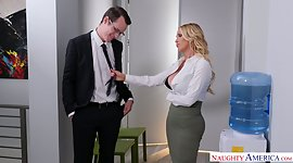 Glamorous wife Nikki Benz seduces her..