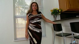 Seductive Latin milf Sienna Lopez is..