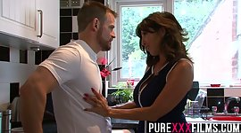 Whorish stepmom Tara Holiday gives a..