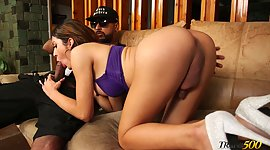 Juggy T-girl Veronica Zuluaga takes..
