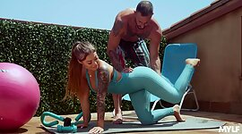 Fitness chick Kali Roses gets unseemly..