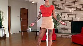 Fulfilled tattooed Bonnie Rotten posing
